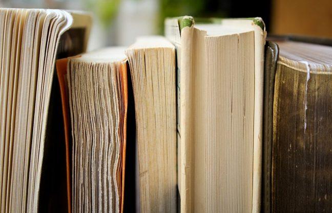 books 1850645_640 1